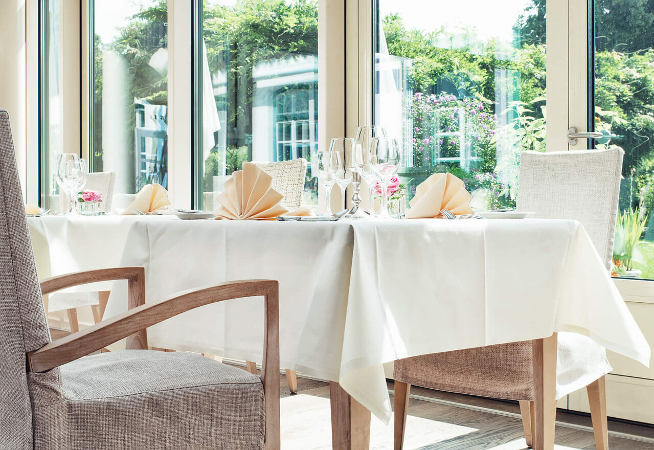 hotel starnberger see bayern schlossgut oberambach