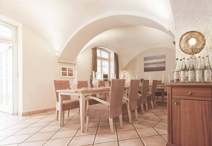restaurant gewölbe schlossgut oberambach bio hotel starnberg