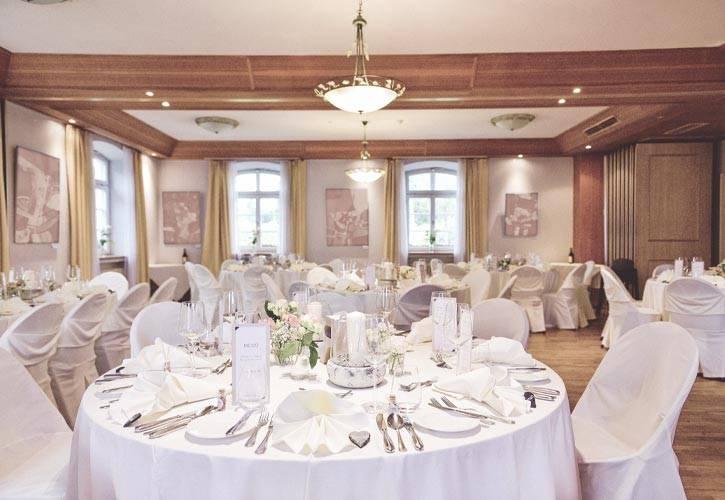 16-hochzeit-bankettsaal-schlossgut-oberambach-bio-hotel-starnberg