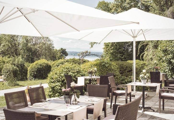 9-hochzeit-location-cafe-terrasse-schlossgut-oberambach-bio-hotel-starnberg