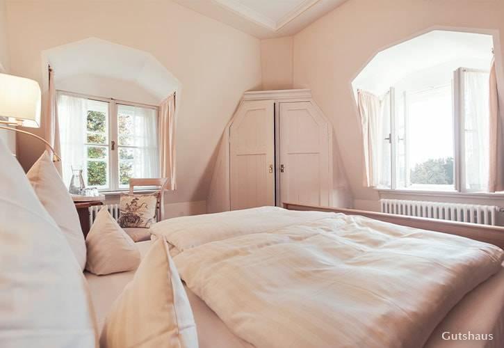 doppel-zimmer-7-schlossgut-oberambach-bio-hotel-starnberg