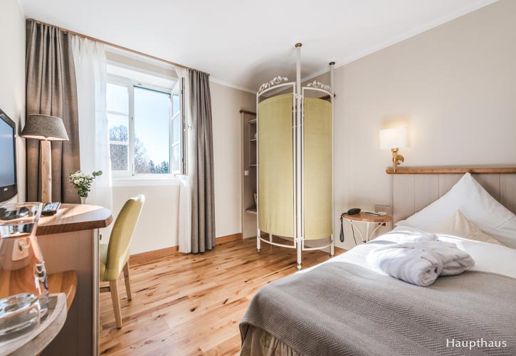 einzel-zimmer-2-schlossgut-oberambach-bio-hotel-starnberg