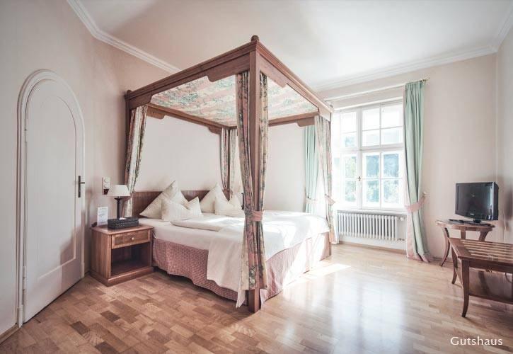 hochzeit-suite-1-schlossgut-oberambach-bio-hotel-starnberg