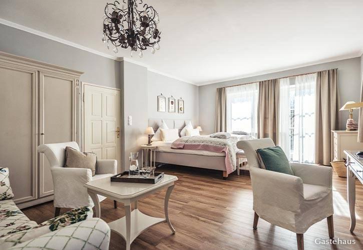 superior-suite-5-schlossgut-oberambach-bio-hotel-starnberg