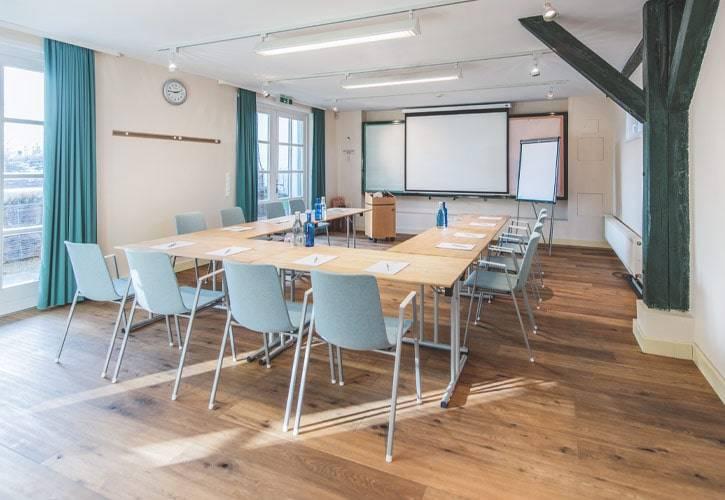 conference-room-ambach-1-schlossgut-oberambach-bio-hotel-starnberg