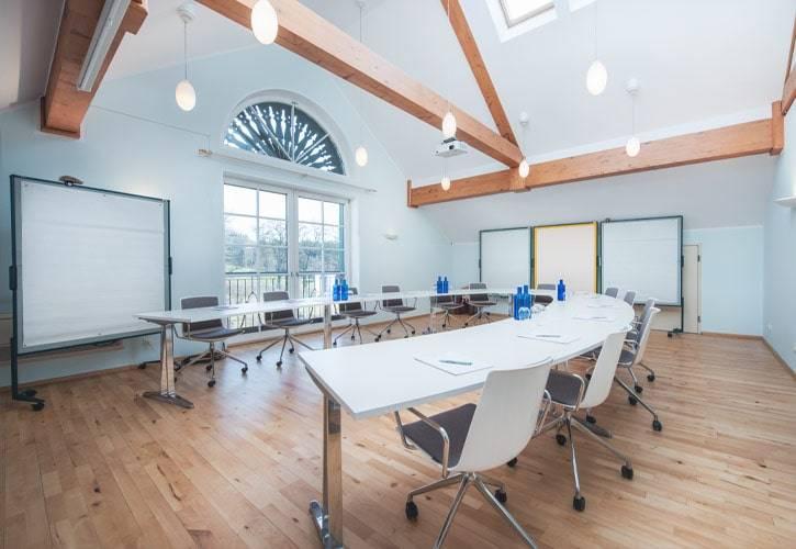 conference-room-bernried-3-schlossgut-oberambach-bio-hotel-starnberg