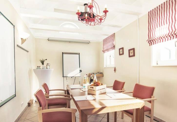 conference-room-tutzing-1-schlossgut-oberambach-bio-hotel-starnberg